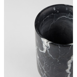 Vase noir design en marbre Fajen Zuiver
