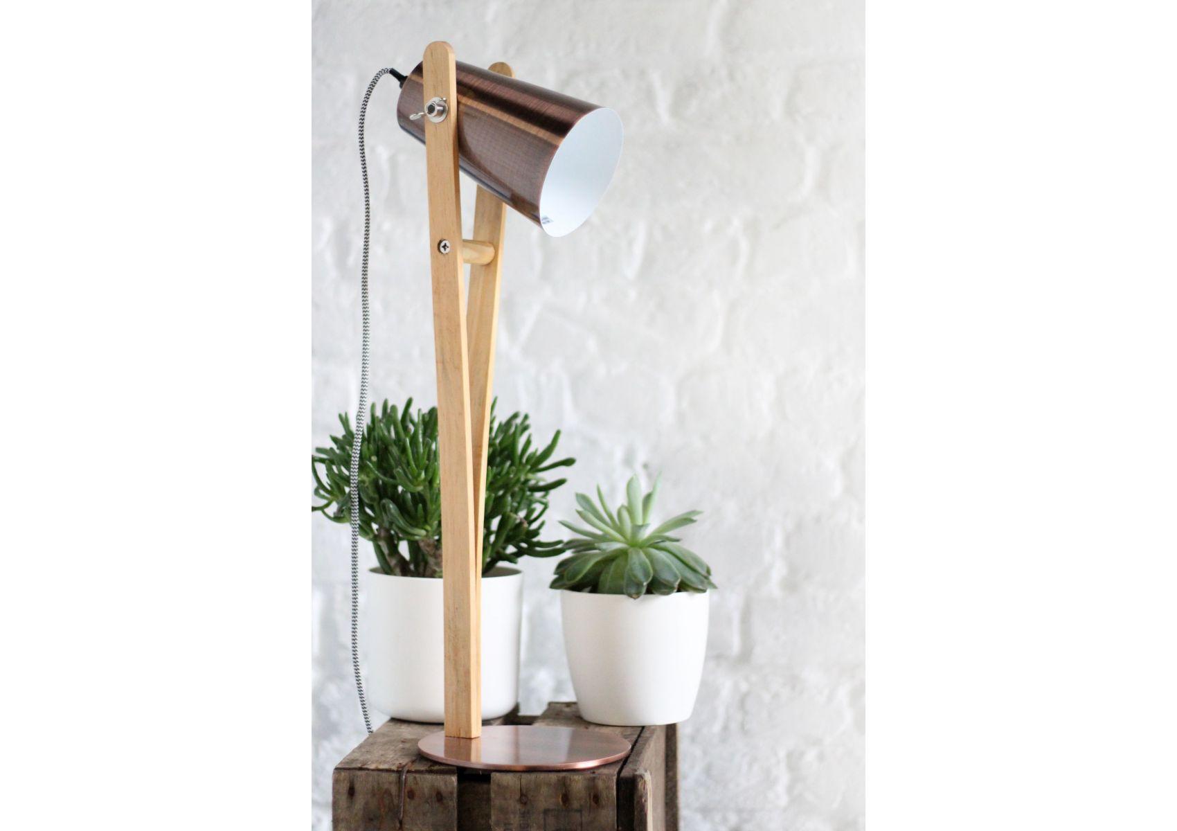 lampe de table en bois et m tal angus redcartel. Black Bedroom Furniture Sets. Home Design Ideas