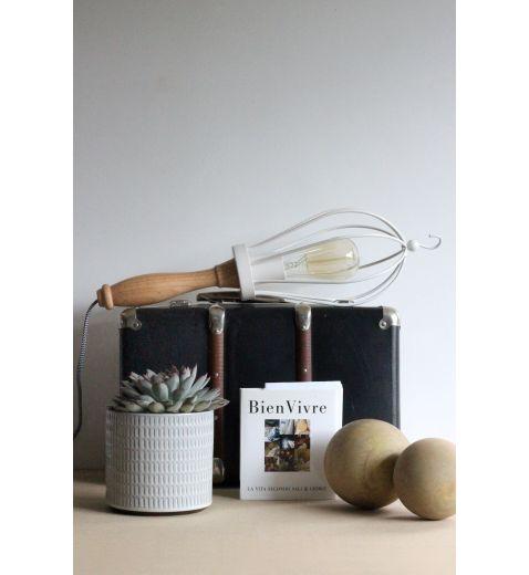 lampe mobile de chantier m tal et bois toledo redcartel. Black Bedroom Furniture Sets. Home Design Ideas