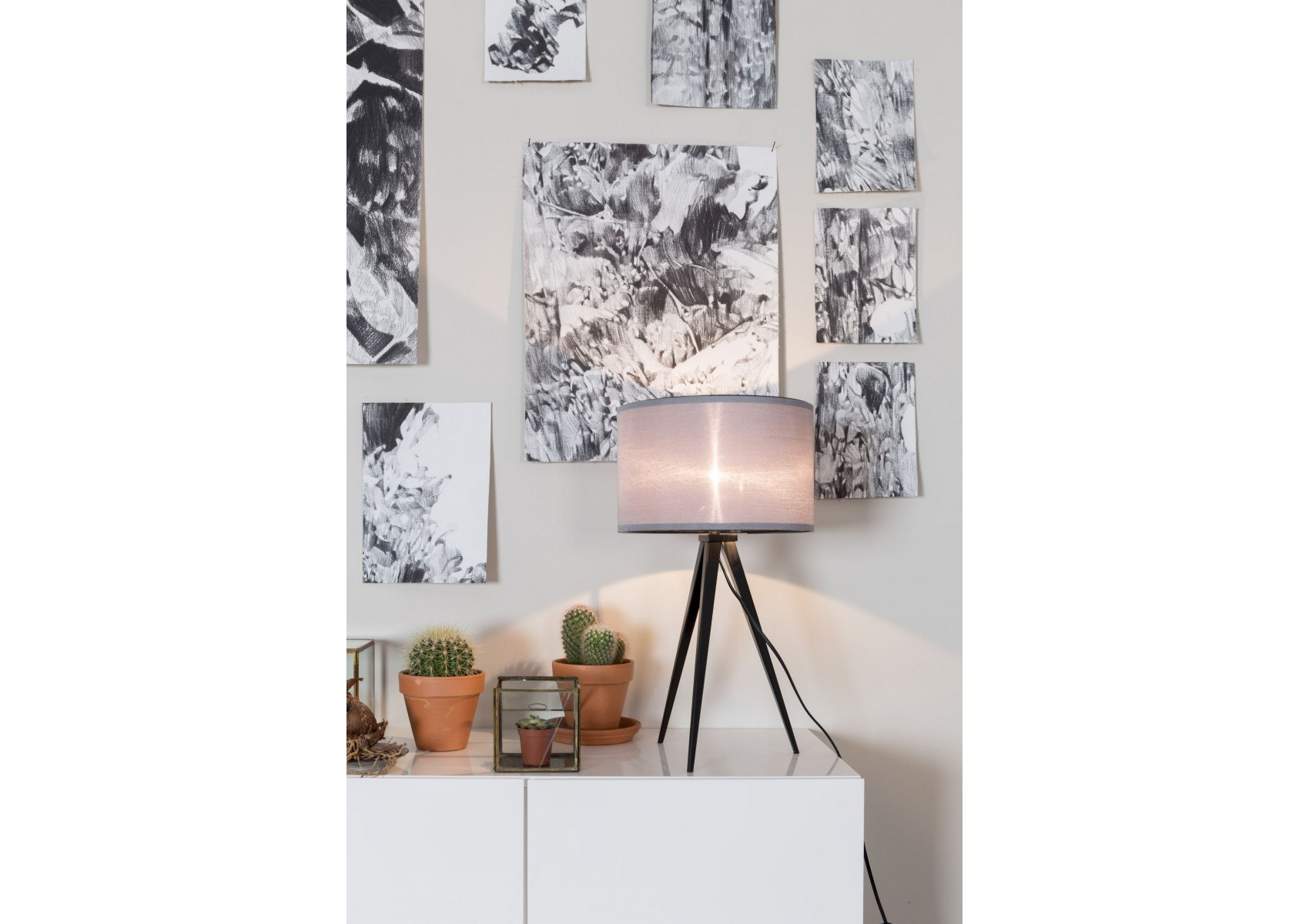 lampe poser design tripod deco zuiver boite design. Black Bedroom Furniture Sets. Home Design Ideas
