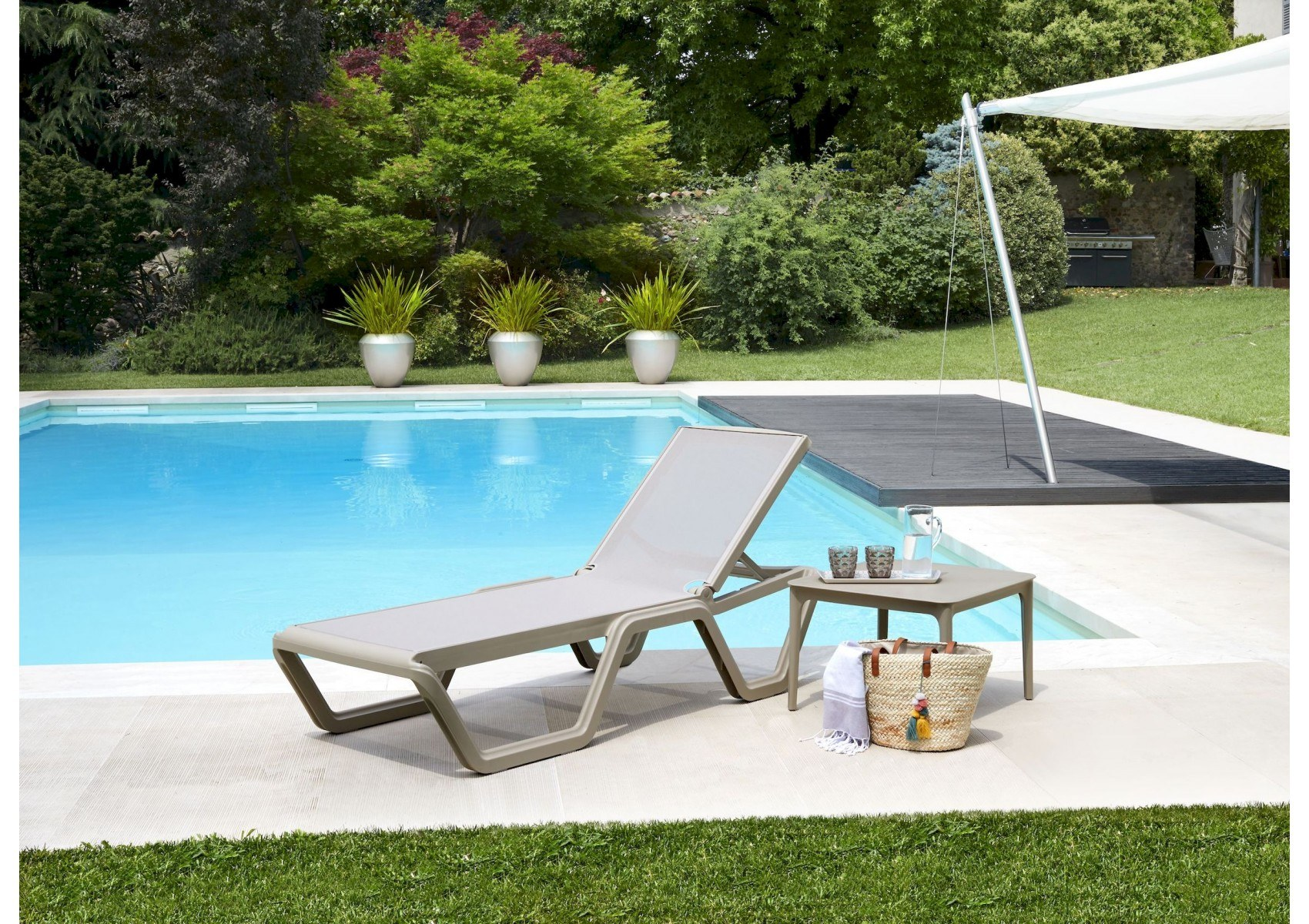 bain de soleil design roulettes vela taupe par scab design. Black Bedroom Furniture Sets. Home Design Ideas