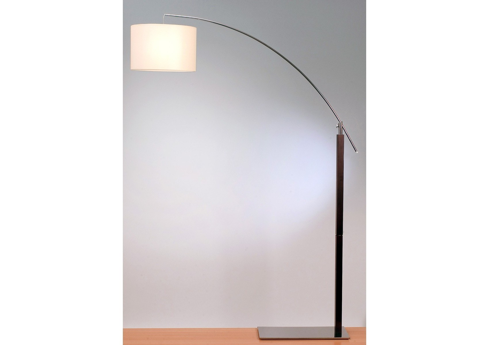 lampadaire design arc rainbow aluminor. Black Bedroom Furniture Sets. Home Design Ideas