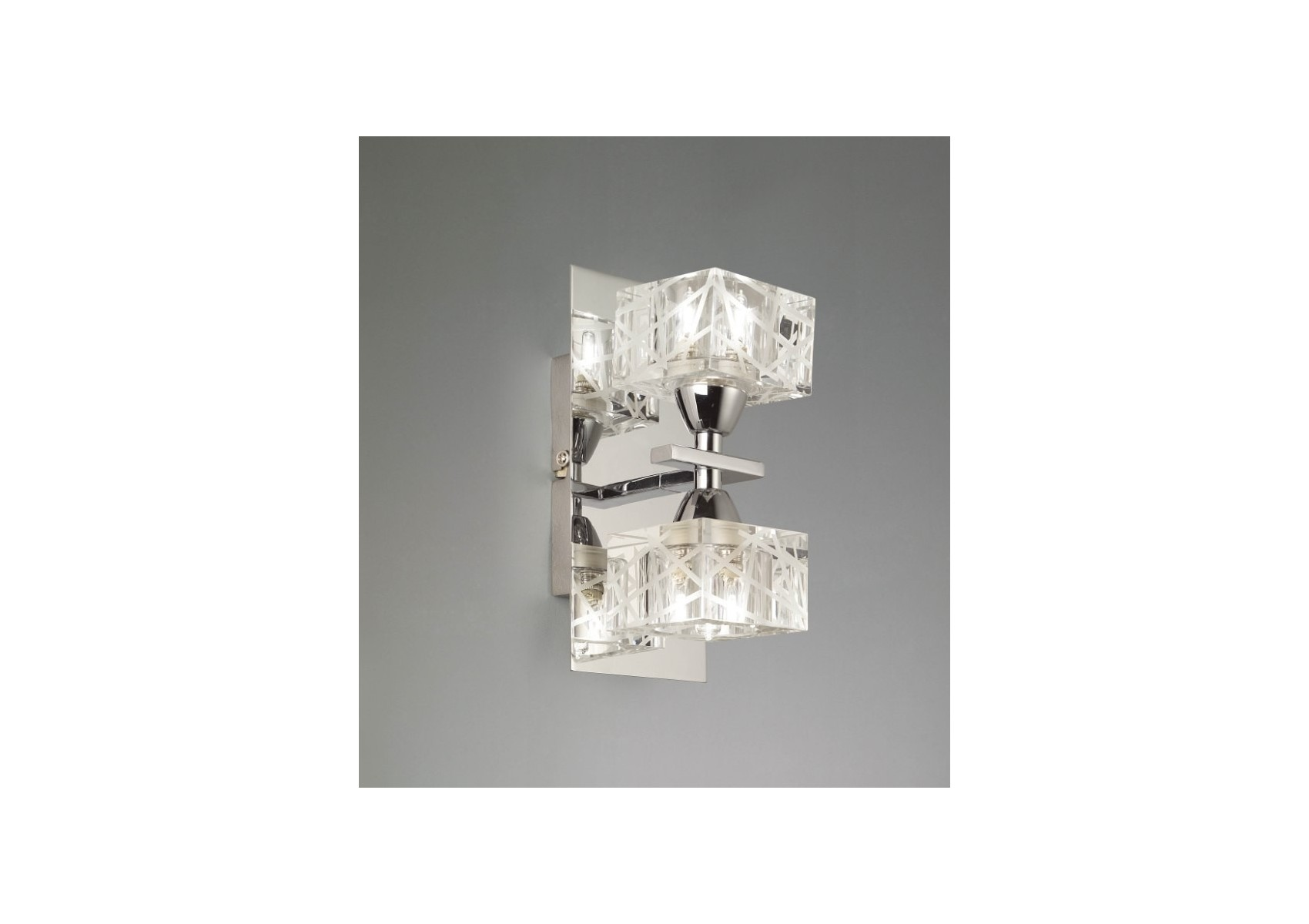 Applique design de la collection zen de chez mantra deux ampoules
