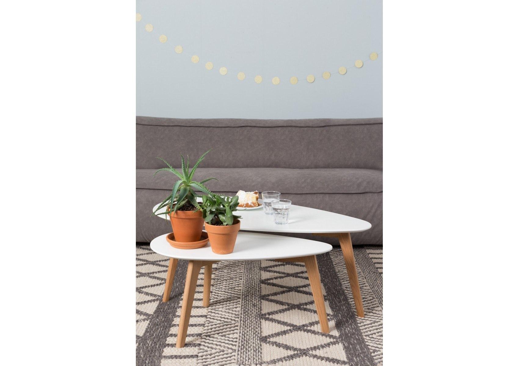 tables basse scandinave drop laqu e blanche. Black Bedroom Furniture Sets. Home Design Ideas